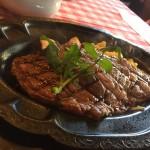 長野県軽井沢の行列ステーキのお店「ザ カウボーイハウス」